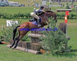 Qaffle at Barbury Castle